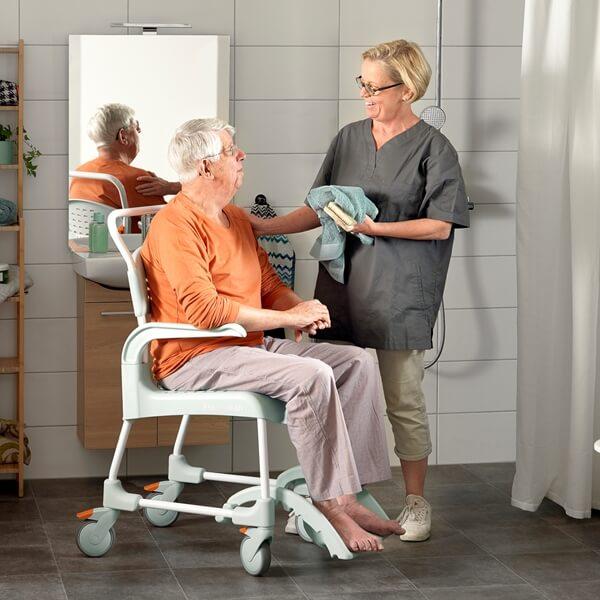 Etac Clean Banyo ve Tuvalet Sandalyesi 2