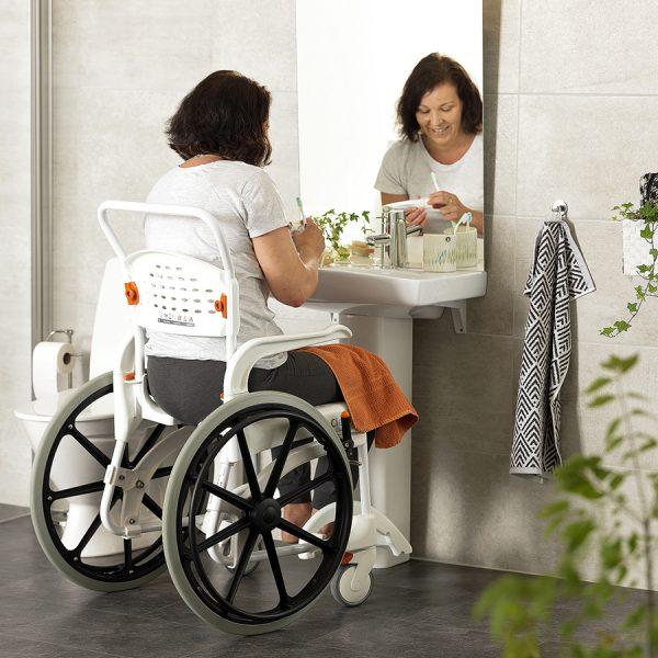 Etac Clean 24″ Banyo ve Tuvalet Sandalyesi 3