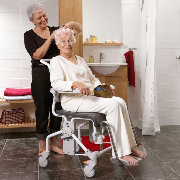 Etac Swift Mobile Banyo ve Tuvalet Sandalyesi 2