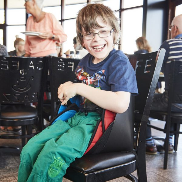 Scallop Engelli Çocuk Oturma Desteği 4